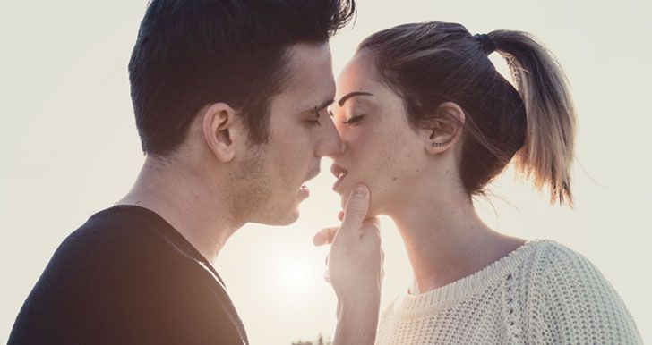 Kissing Styles Of The Zodiac Signs Revealed    - Zodiac Fire